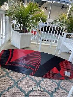 2018 Liquid Force Wakeboard, red, 134 cm, comes with bindings that fit size 9-12