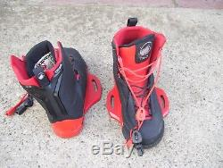 Liquid force HITCH closed toe wakeboard bindings wakeboard boots black red