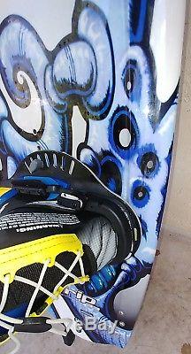 TRIP 33 FREE SHIP USED LIQUID FORCE 52 G. NECRASSON WAKEBOARD WithBINDINGS WATER